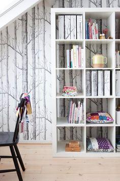 black and white wallpaper