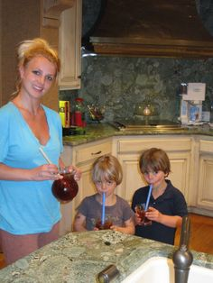 Britney serving her boys, Sean Preston and Jayden James sweet tea! :)