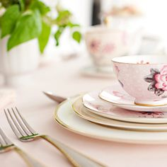 Exclusive Tabletop Collections - NewlyWish. #dreamdigs floral china, romantic vintage, registri site