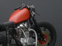 Left Hand Cycles custom Yamaha XS650 ~ Return of the Cafe Racers