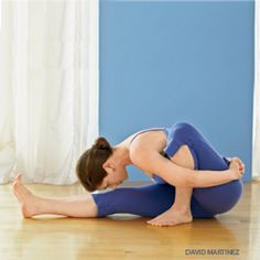 marichyasana -   Detox benefits: Squeezes the abdominal organs and stimulates digestion and elimination. | So what they're saying is it helps ya poop :P