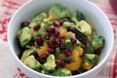 Amazing avocado and pomegranate dip!  #eatcleanpinparty