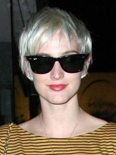 Do you like Ashlee Simpson? Check her latest hairstyles here in this page and there is also an article which is interesting to read about her hairstyles