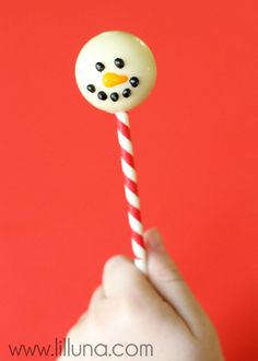 Snowman Truffle Pops - a cute and easy Christmas treat made from Lindor Truffles at { lilluna.com } #truffles