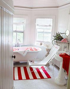 Love the stripes in this beach house bathroom
