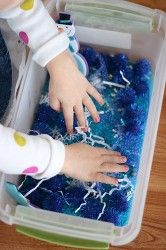 Wintry Sensory Bin--a fun learning experience to teach about colors, touch and seasons!