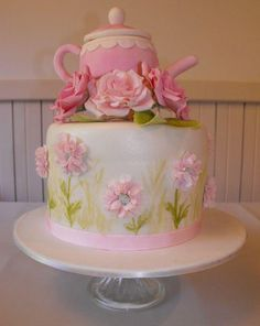 Mother's Day Cake - Afternoon tea? ;-) Looks super! We love!