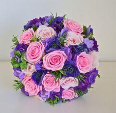purlpe pink bouquet wedding