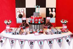 bowling-party-dessert-table
