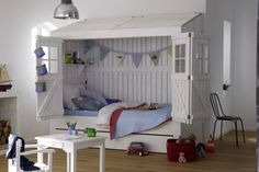 Cama niños - casita http://www.mamidecora.com/muebles-infantiles-camas-casita.html
