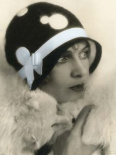 Art Decó flapper hat 1920's