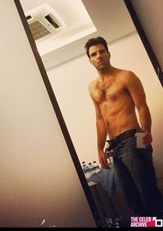 Actor Zachary Quinto posted a selfie on his instagram account this month that showed off his very toned physique.  Follow us in Instagram > @Matty Chuah Celeb Archive