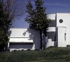 Art Moderne House, 2636 Binford :: College of Architecture + Planning