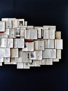 Bookwall. -★-