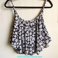 stud crop, daisies fashion, floral prints, daisy top, crop tops