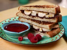 Try this recipe for Warm Banana Sandwich with Raspberry 'Jus' from Kimberly's Simply Southern featured on GAC!