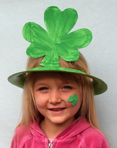 Paper Plate Shamrock Hat Tutorial (pinned by Super Simple Songs) #educational #resources for #children #StPatricksDay
