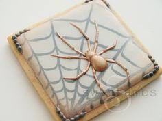 SweetAmbs: Halloween Spider Cookie Tutorial