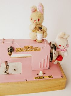 pink vintage sewing machine