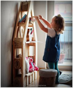 pallet shelf, kids diy, pallet shelves, bedroom kids, kid rooms, diy kid, doll houses, pallet kids ideas, pallet kids room