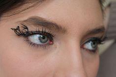 more Hunger games love: buy Effie Trinket's eyelashes