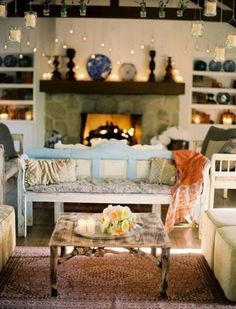 Cute fireplace and cozy living room!