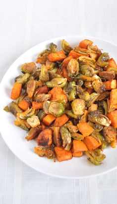 You have to try this delicious side dish of roasted brussel sprouts and sweet potatoes!