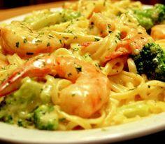 Skinny shrimp & broccoli alfredo. Healthy and yummy!