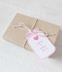 Free Printable and Editable Mason Jar Tags - type in your own text and print! #freeprintable #wedding