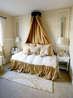 Crown Canopy Daybed >> http://www.hgtv.com/designers-portfolio/room/eclectic/living-rooms/9588/index.html#/id-4949/room-kids-rooms?soc=pinterest