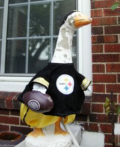 LAWN GOOSE CLOTHES STEELERS FOOTBALL CEMENT & PLASTIC