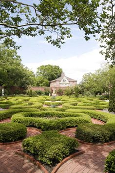 Beautiful, ornate gardens @Lee Homan Palace in North Carolina. #museum #northcarolina #newbern