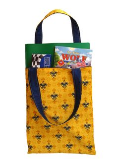 Cub Scout Tote -- great for toting to den meetings.  May have to make one.