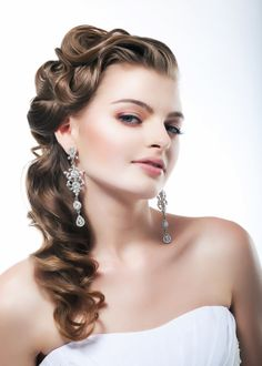 vintage side ponytails - Google Search Hair Ideas, Beauty Hairstyles, Bridal Makeup, Eve Hairstyles, Bridal Hair, Hair Style, Bit Hairy, Retro Style, New Year Eve
