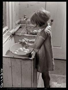 I Am the Egg Girl: 1940