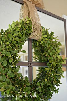 how to make a boxwood wreath - Rachel this is for you :)