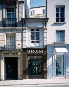 Assouline book shop in Paris  35 Rue Bonaparte. Paris VI  (cw16-9)