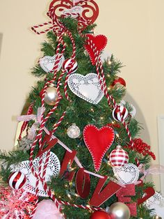 year round tree - feburary decorations