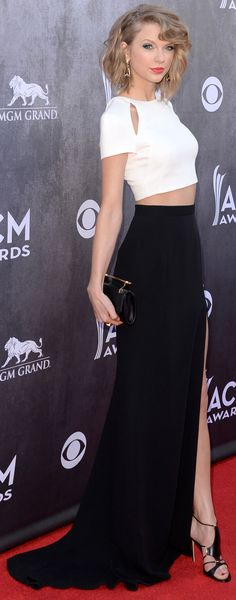 The sexiest red carpet dresses from the ACM Awards #taylorswift