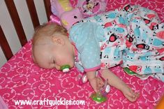 FREE Baby Sleep Sack Pattern --- PERFECT for baby shower gifts!!
