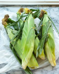 How to Shuck Corn Like A Farmer's Daughter