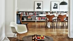 A high and low dining room // Dining Room