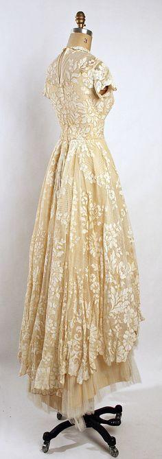 Wedding ensemble Gaston of Murray Hamburger    Date: 1955 Culture: American Medium: silk. Back