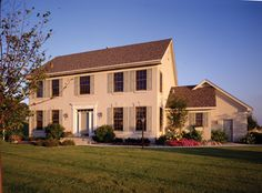 Charming 4 bedroom Colonial home.  Colonial House Plan # 271069.