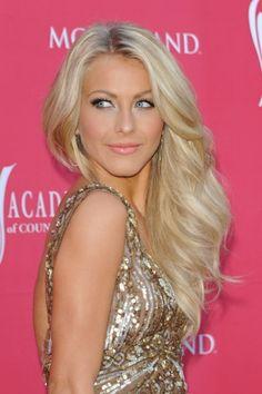Julianne Hough Blonde Hair Color