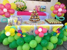 Diseño de mesa para fiesta de tema Campanita / Tinkerbell Team Party disign
