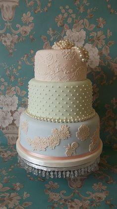 Vintage pastel wedding cake #cakes #weddingcake #pastelwedding #weddingdessert #vintagewedding