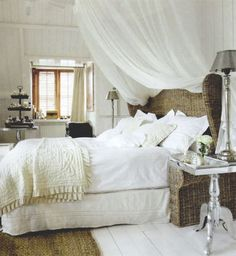 Dreamy Beds: Warm, Cozy Irresistible | Apartment Therapy
