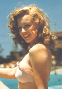 Marilyn with red hair, this was the color of her hair when she first dyed it.
