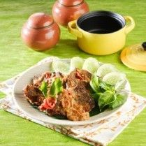 DAGING PENYET SAMBAL TERASI http://www.sajiansedap.com/mobile/detail/16397/daging-penyet-sambal-terasi